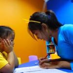 Bagaimana cara mengajar Anak Usia Dini dalam satu langkah sekaligus